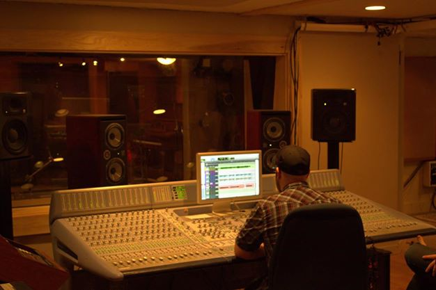 Essential Sessions Studio, St. Paul, MN.